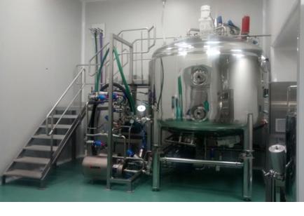 linea-per-la-preparazione-di-liquidi-farmaceutici