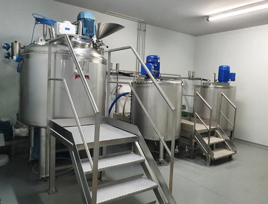 Impianto per la produzione di gel idroalcolico